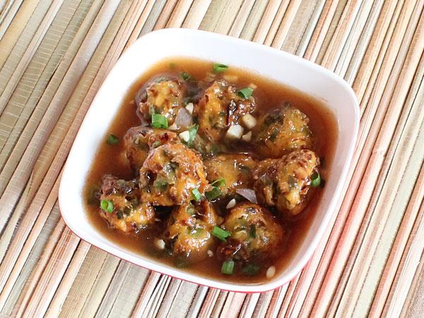 Vegetable Manchurian Gravy-1