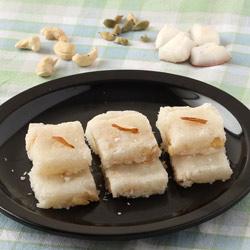 Coconut Burfi (Nariyal Barfi)