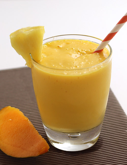 mango yogurt smoothie|MangoPineappleSmoothieRecipe-With|New Berry_3sir ...