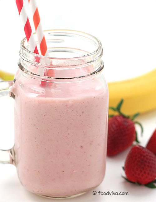 Strawberry Banana Smoothie with Yogurt