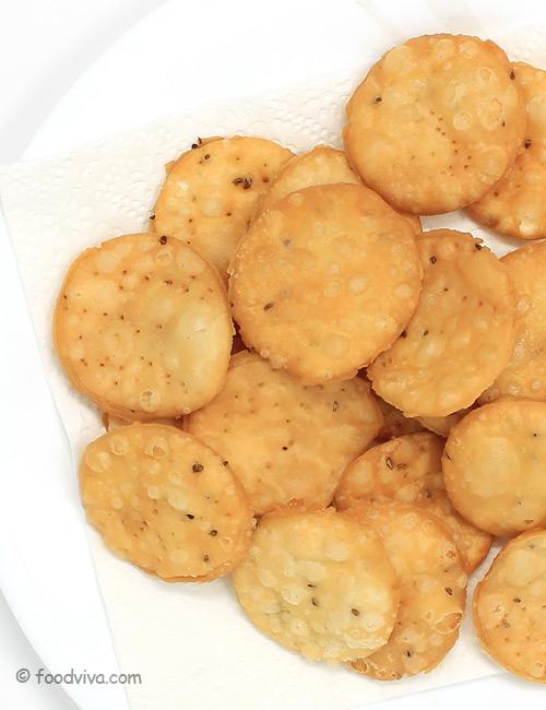 Homemade Papri (Papdi) Recipe
