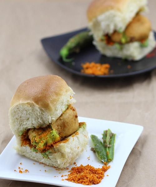 Vada Pav recipe - Indian Vegetarian Recipes in Hindi