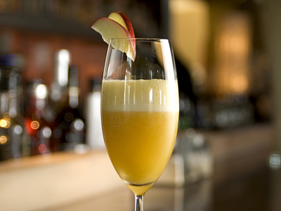Frozen Bellini with Peach Puree and Champage
